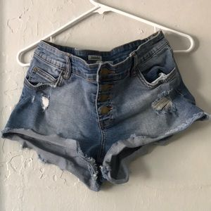 Semi highwaisted shorts